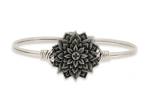 "Bracelets - LUCA+DANNI STC279S ""Lotus"" Bangle"