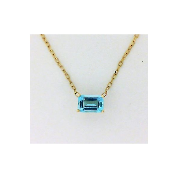 Pendant - Yellow 14K Solitaire Pendant With One 6.04X4.15Mm Emerald Cut Topaz