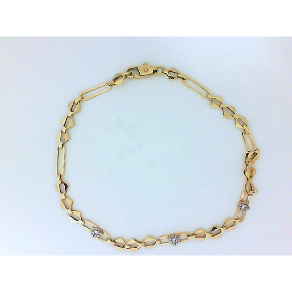 Bracelet - Yellow 18K Light Link Bracelet With Small Dias Length 8 Wieght: 3.6 Notes: **ESTATE**