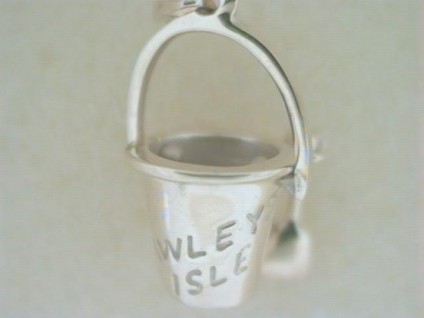 Charm - Ladies 14 karat yellow pawleys island destination sand pail pendant.   This high polished and engraved pendant measures 19.00 mm in height and weighs 3.30 grams.