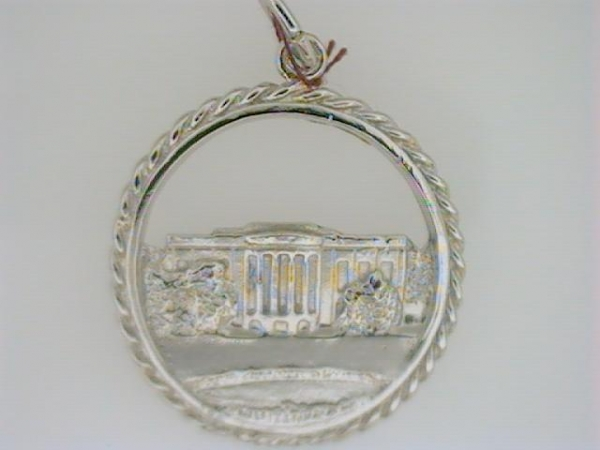 Charm - Ladies sterling silver, high polished and detailed white house charm.  This charm features the white house  set in an open rope circle.  The charm is 22.45 mm in diameter and weighs 2.90 grams.