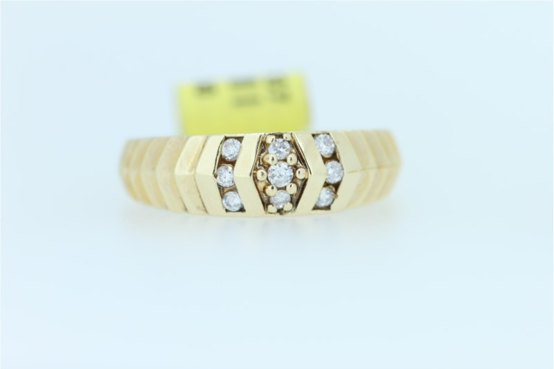 Wedding Band - Gent's Yellow 14 Karat Diamond Cut Wedding Band With 9=0.24Tw Round Diamonds