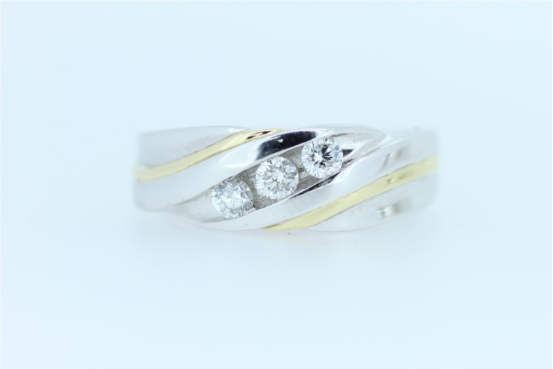 Wedding Band - Gent's Tt 14 Karat By Pass Style Wedding Band With 3=0.50Tw Round Diamonds