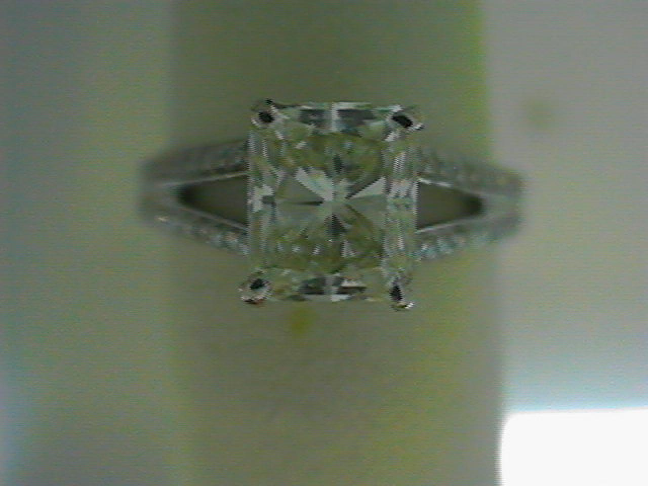 Antwerp - Lady's Antwerp With One 1.77 ct Radiant K Si1 Diamond