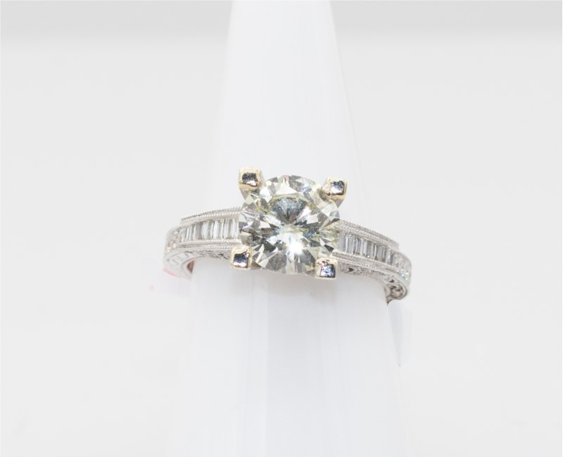 Antwerp - Lady's Antwerp With One 2.08Ct Round J Si2 Diamond