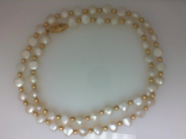 Strand - Lady's Fresh Water Pearls, 18