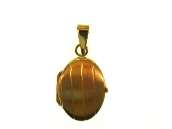 Gold Pendants - Gold Pendant / Charm