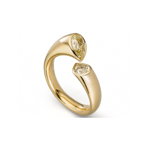 Engagement - Calla Pear Shaped Diamond Ring