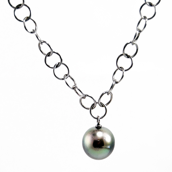 Downtown Pearl Necklace - Designer: Gellner Style: Downtown Pearl NecklaceMetal: 0.925 sterling silverPearls: one Tahitian cultured pearl, 14-15 mm, silvery-blue, high lusterLength: 100 cm 40 inches