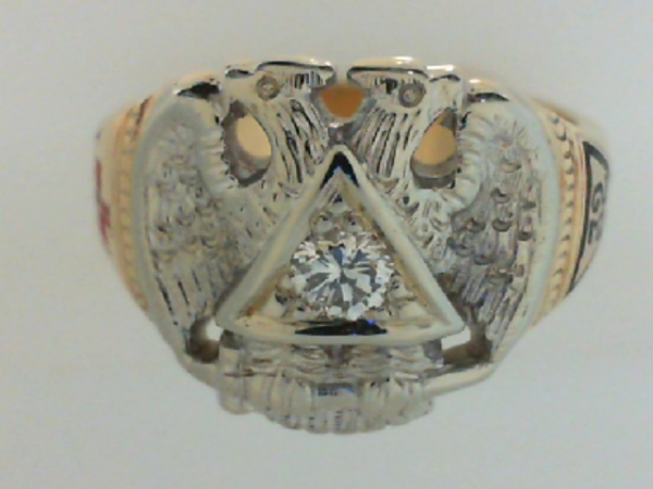 Estate & Vintage Jewelry - ESTATE 'MASON'S' RING