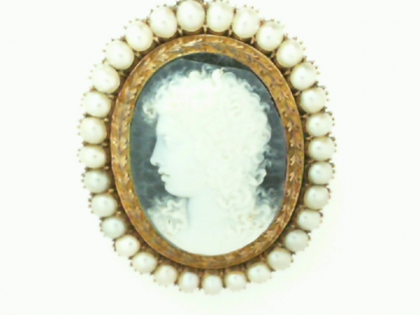 Estate & Vintage Jewelry - VICTORIAN CAMEO BROOCH WITH PEARLS