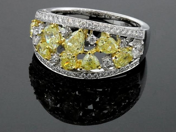 Fashion Ring - 18KTT 2.19CTW YELLOW AND WHITE DIAMONDS