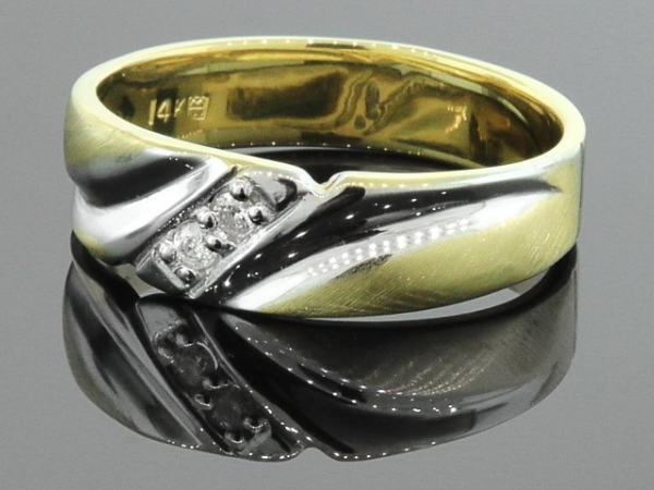 Fashion Ring - 14KTT .06CTW GENTS DIAMOND BAND