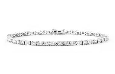 Get diamond and pearl bracelets in Traverse City, MI. Miner's North has a fabulous collection of bracelets in Roscommon, Frankfort, Grayling, Gaylord, Garfield Township, Cadillac, Manistee of Michigan.