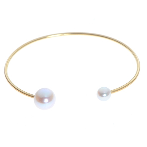 Pearl Bracelet - 14 Karat Yellow Gold Cuff Bracelet With One 6.00X6.50Mm Fresh Water Pearl And One 9.00X9.50Mm Fresh Water Pearl