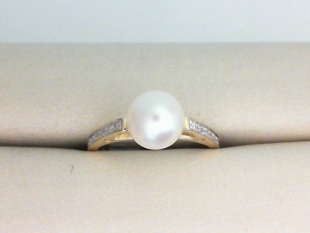 Fashion Ring - 14K Yellow Gold Pearl Ring with Diamond Shoulders