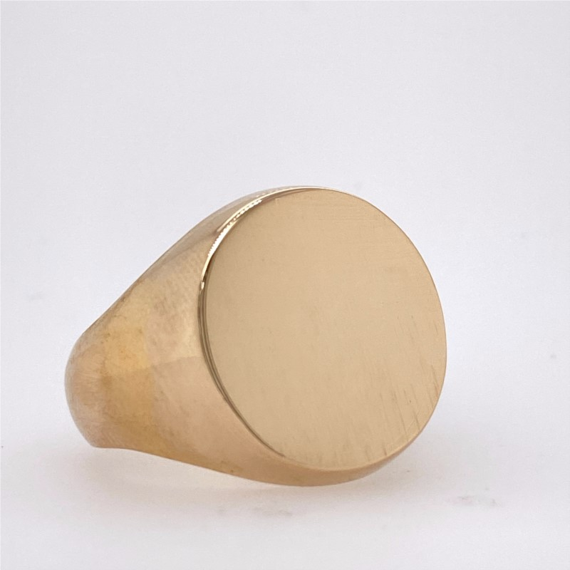 Fashion Ring - 14Ky Gold Gents Heavy Round Signet Ring