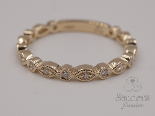 Rings - Scallop Diamond Stacker Band