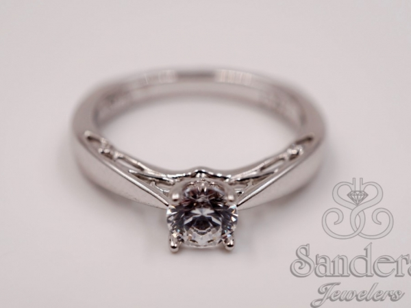 Bridal Jewelry - Solitaire Diamond Engagement Ring