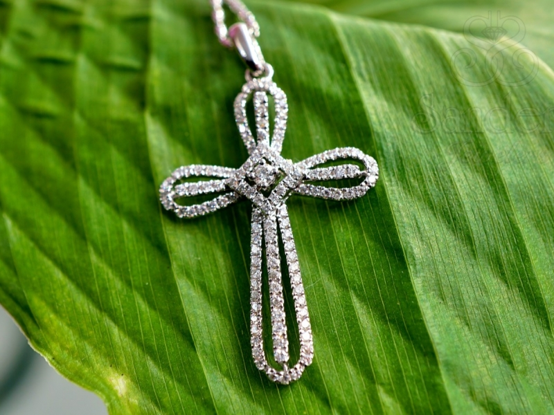 Diamond Pendants & Necklaces - Diamond Cross Pendant - image 2