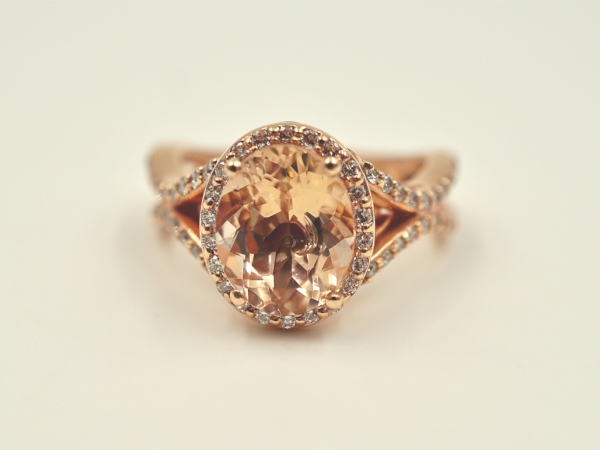 Rings - Oval Morganite Fashion Ring