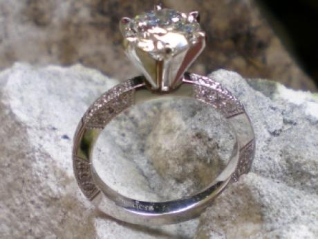 Sanders Jewelers Custom Designs - Diamond Ring