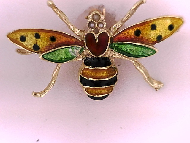 KARAT GOLD PENDANTS/CHARMS - 14 KARAT YELLOW GOLD ENAMELED BUMBLE BEE PIN BY SINGER COLLECTION