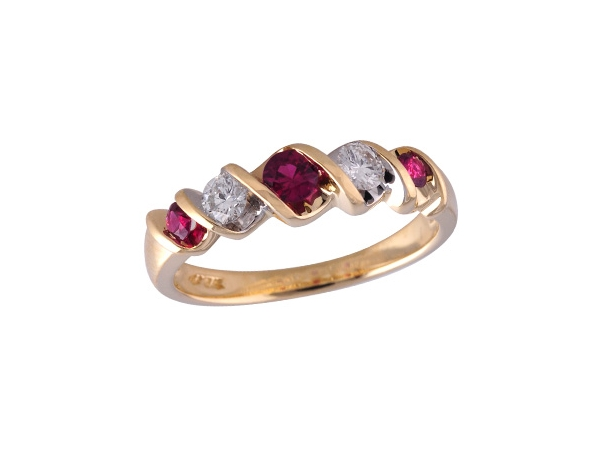 14KT Gold Ladies Wedding Ring - LDS WED RG .34 RUBY .58 TGW