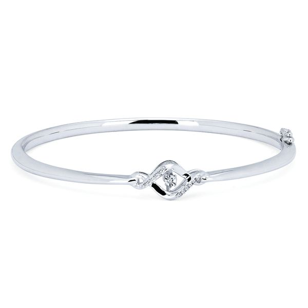 Browse our fine jewelry collection of bracelets at Michael's Jewelry Center in Dayton, Ohio.