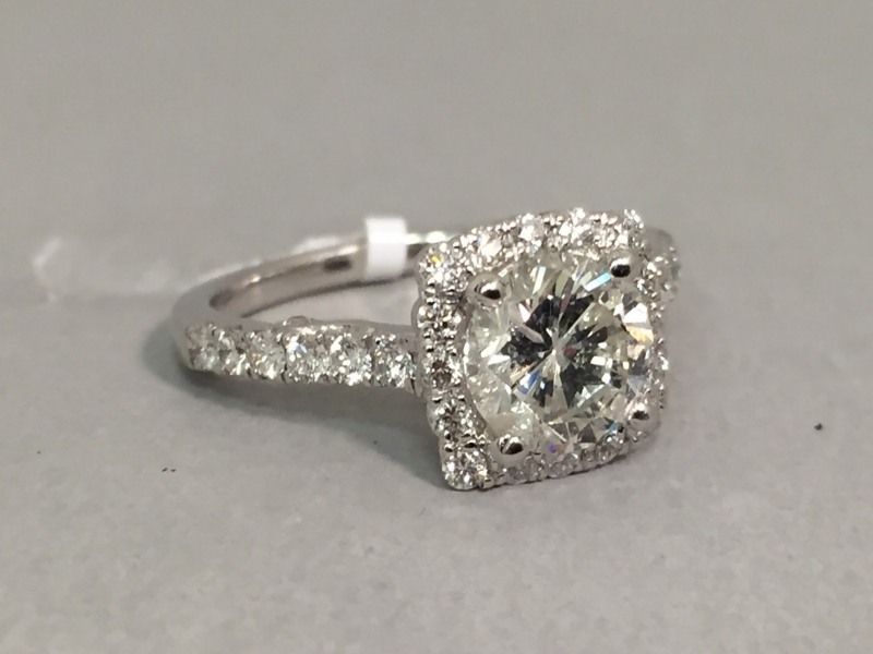 Diamond Ring - 18kw Veragio 1.98ct tw diamond engagement ring, center=1.38ct H SI2, accompanied by .60cttw rd dia.