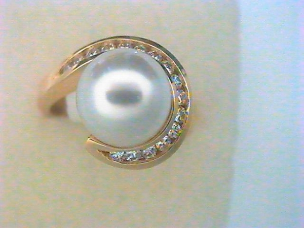 Pearl Ring - Lady's Yellow 14 Kt Pearl Ring With South Sea Pearl And 0.32Tw Round Brilliant Cut H/I Si2 Diamonds