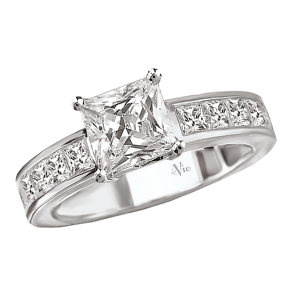 Peg Head Semi-Mount Diamond Ring by La Vie