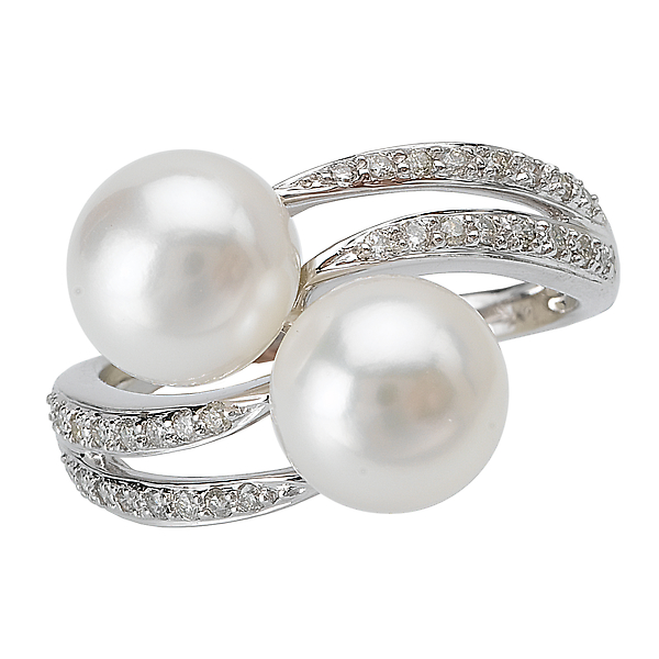 Ladies Pearl and Diamond Ring by Tesoro