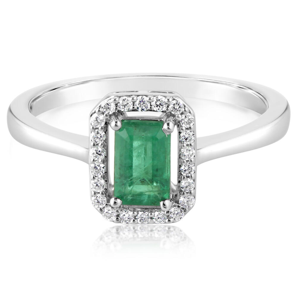 White Gold Emerald Ring DeRobertis Jewelers West Hartford, CT