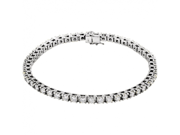 Diamond bracelets are a great gift for any occasion, and the experts at Grogan Jewelers are ready to help you with your next