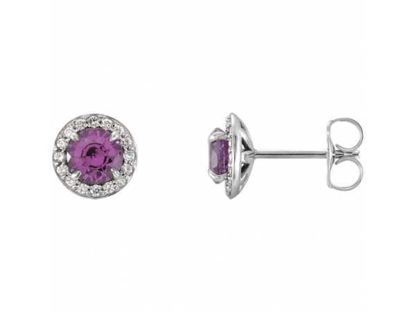 Gemstone earrings are wonderful additions to any jewelry collection, and Grogan Jewelers is just the place. We have a beautif